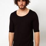 t-shirt à manches longues noir encolure dégagée